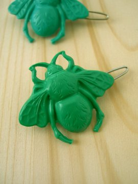 Bumble Bee Hair Clip - Green - $5.00 : --- Art School Dropout.net ---